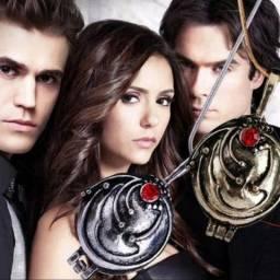 Título do anúncio: Colar Elena Gilbert da série The Vampire Diaries. Pronta entrega