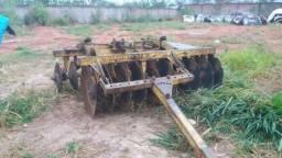 Grade 20x28 + plantadeira tatu troco +irrigação