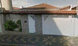 Casa no centro de Araras-SP com 3 dormitórios
