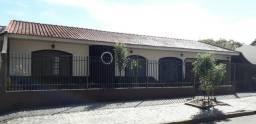 10773 - Casa com 2 suítes + 1 quarto na Zona 08 em Maringá