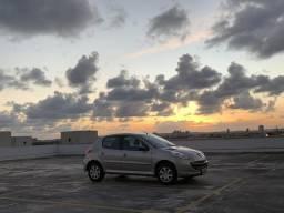 Peugeot 207 1.4 segundo dono - 2011