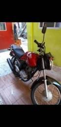 Vendo moto 150 por 6300 - 2015