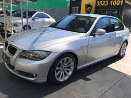 BMW 320i - 2010 - 2010