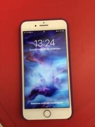 IPhone 8 Plus 64 gb R$ 2.450,00
