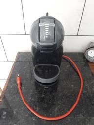 Cafeteira Nescafé Dolce Gusto