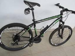 Bike quadro First, aro 26, perfeita