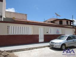 Casa com 4/4 no Bairro Luzia