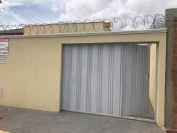 Casa 2/4 com Suite e Area de churrasqueira - Jd. Ipanema - Goiania