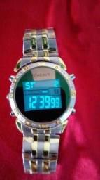 Esse Relógio novinho digital e analógico