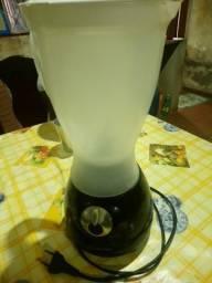 Liquidificador LIQMAX Preto - Suggar com defeito