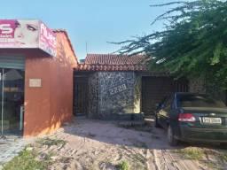 Terreno à venda  com casa e 2 frentes *ótima  localização*