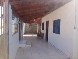 Casa em Mambaí centro
