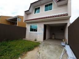 Sobrado à venda com 3 quartos e amplo terreno, em localização tranquila no bairro do Umbar