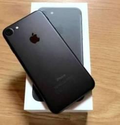 IPhone 7 - 32GB - Preto