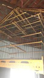 Vendo. gaiolas de madeira e fibra