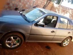 Vendo um carro - 2000