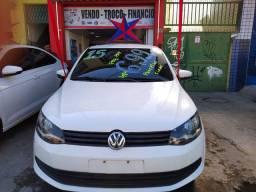 VW VOYAGE 1.6 2015 top . Ent : 5.000 + 48x 699,00