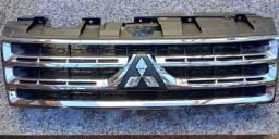 Grade frontal Mitsubishi Pajero full com detalhe