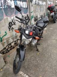 LEIA ,Vendo mix Cg SUCATA , 150 moto ECONÔMICA muito boa pra trabalhar, dá rolê .