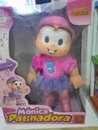 Boneca Mônica patinadora