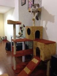 Título do anúncio: Promoção arranhador para gato castelo 450.00 aceitamos cartão