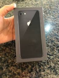 IPhone 8 64GB cinza