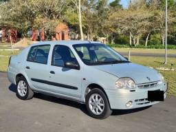 Título do anúncio: Renault clio sedan 2002