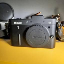 Título do anúncio: Câmera Nikon V1 Profissional Com Flash + Bag + Brinde
