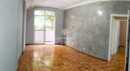 Título do anúncio: Apartamento com Ótima Localização - 2 Quartos - 2 Banheiros - 1 Suite - Centro