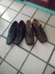Cinco calçados 39/40 pelo preço de um