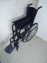 Título do anúncio: Cadeira de rodas dobrável
