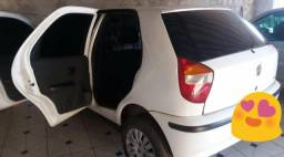 Vendo um carro pálio - 2006