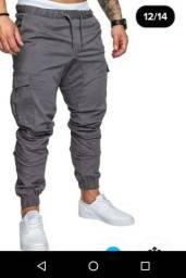 Calça Capri tamanho 42, cor cinza