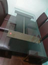 Mesa de jantar de vidro
