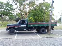 Alugo caminhão com motorista - 1987