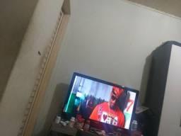 TV 40 lcd semp 650 com caixa
