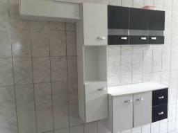 Armário de cozinha branco com preto