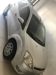 Vendo Ford Fiesta 2004 completo e com ar-condicionado - 2004