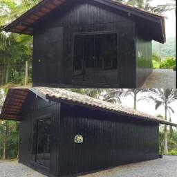 Construção de madeira para retirar do local.