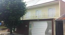 Casa em Guaxupé com 4 quartos, 3 banheiros, churrasqueira