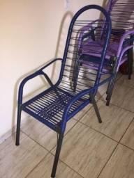 Vende-se Cadeiras de macarrão- Plástico