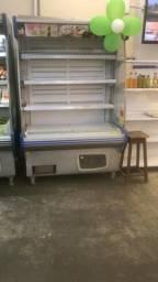 Refrigerador vertical aberto