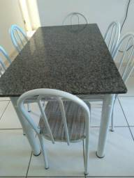 Mesa com 6 cadeiras R$ 320,00