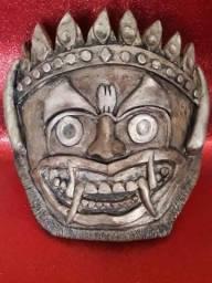 Mascara ou Carranca Inca, Om