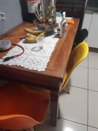 Vendo mesa de madeira peroba com 4 cadeiras Moderna
