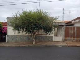 Casa à venda com 2 dormitórios em X, Jaboticabal cod:V5112