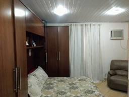 Alugo casa mobiliada, também pra  empresaem Iem taguaí