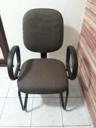Cadeira de escritório Excelente estado pouco uso