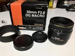 Lente Sigma 50mm F/2.8 Ex DG Macro para câmeras Full Frame Sony A-mount