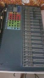 Mesa de som digital soundcraft expression 32 canais , 16 auxiliares